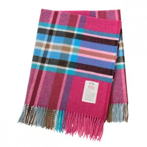 Avoca - Cerise Throw 100% Lambswool